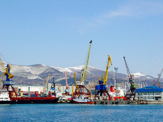 © Novorossiysk Commercial Sea Port