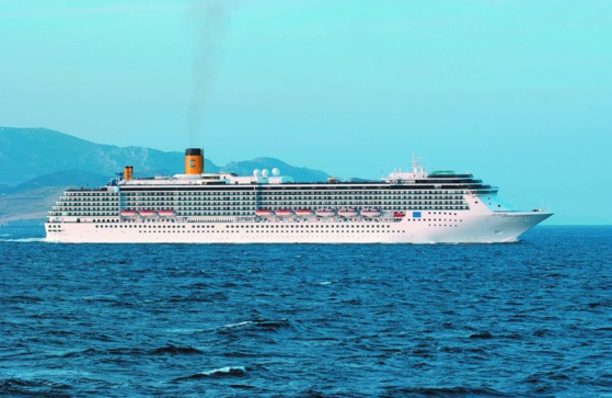 "Le ""Costa Atlantica"", battant pavillon italien, effectue des réparations à Nagasaki © Carnival Corporation"
