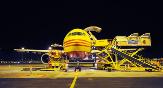 Avion de DHL sur le hub de Leipzig de l'expressiste © Deutsche Post World Net