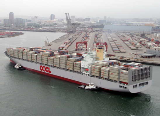 Le port de Long Beach et son voisin de Los Angeles cumulent 40 % des importations maritimes américaines © OOCL