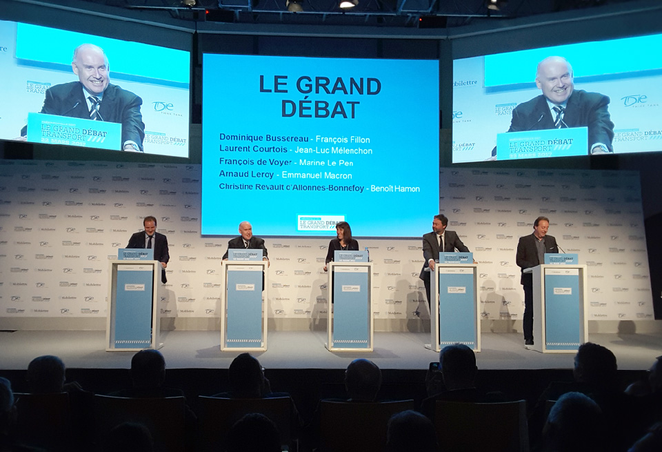 François de Voyer (FN), Dominique Bussereau (LR), Christine Revault d'Allonnes-Bonnefoy (PS), Arnaud Leroy (En Marche) et Laurent Courtois (La France insoumise) © Érick Demangeon